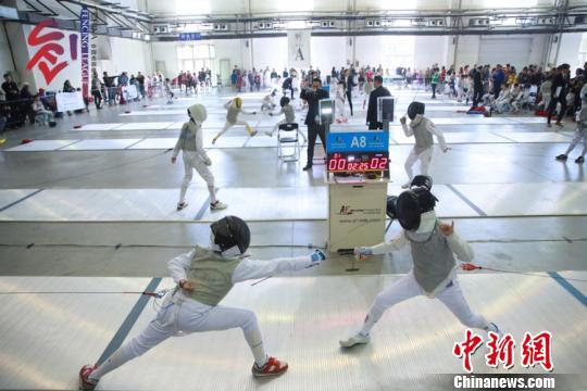中国击剑俱乐部联赛长春站揭幕 近千名选手参与争夺