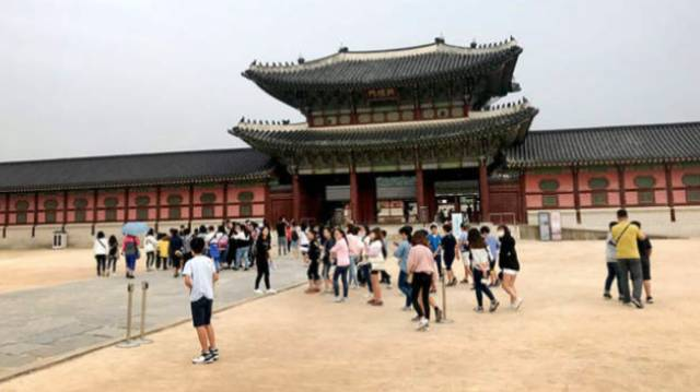 ▲景福宫内中国游客寥寥无几。