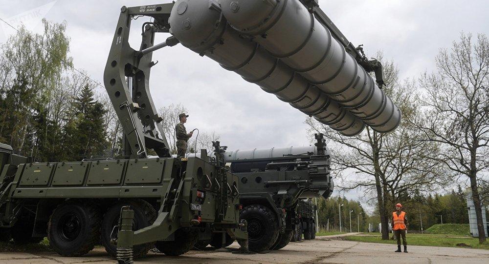 资料图:俄罗斯S400防空导弹