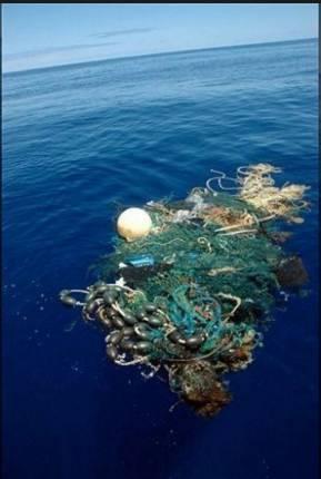 ▲一團漂浮的垃圾。圖據Fox News