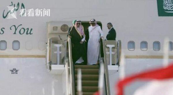 视频|尴尬!沙特国王访俄又带黄金电梯 然而这