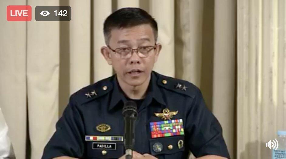 图为菲律宾军方发言人帕迪利亚 源自视频直播截图