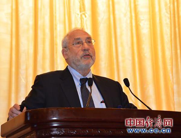 经济学诺奖得主:全球化趋势难以逆转 称赞中国的表现
