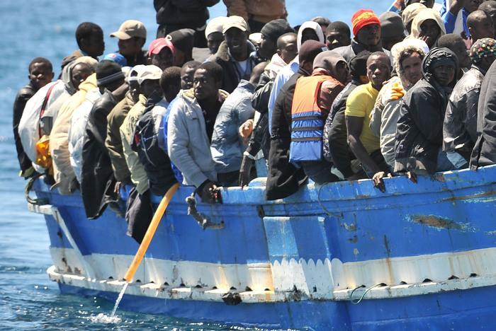 难民船资料画面