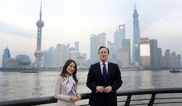 ▲卡梅倫到訪上海外灘 (圖片來源:BBC)
