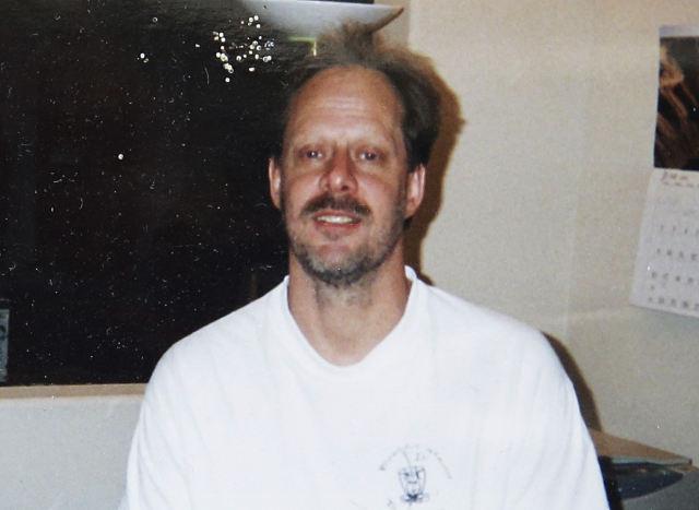 这是拉斯维加斯枪击事件嫌疑人斯蒂芬·帕多克的亲属提供的嫌疑人的资料照片。(新华/美联)