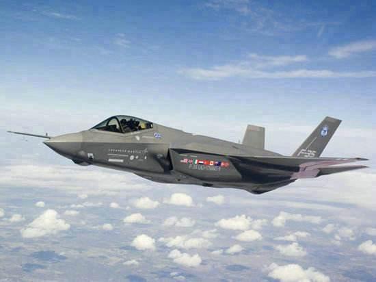 图为美军F-35战机