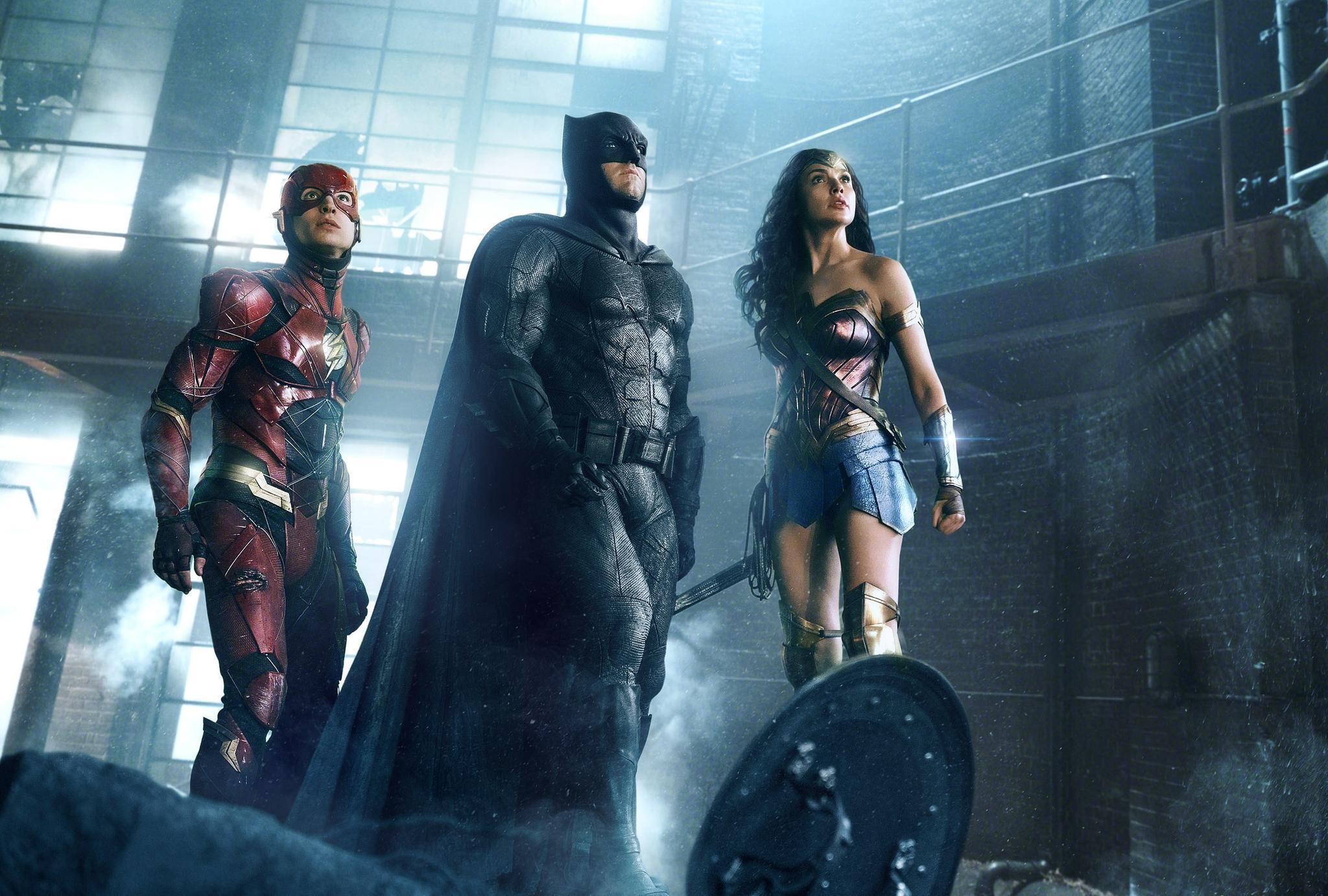 《正义联盟》发布幕后特辑 众超级英雄各显其能
