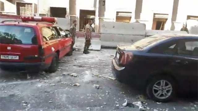 图为大马士革网友在现场的直播截图