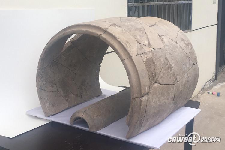 中国古代已知体量最大的陶瓦现身陕西。