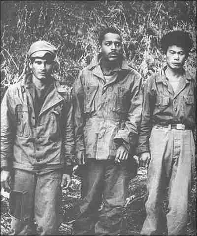 在上甘岭战争中,被自愿军俘虏的美军第7师的部门官兵。