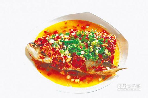 湖南名菜剁椒鱼头。(台湾中时电子报)