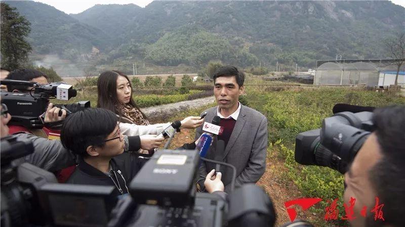 △ 杜家住接受媒体采访供图| 福建日报