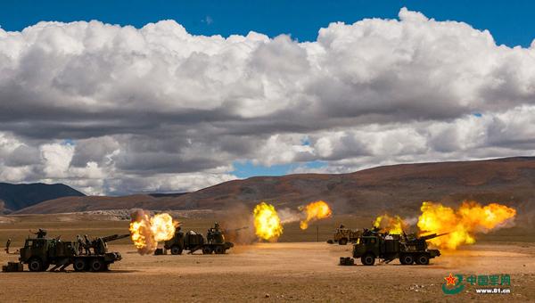 怒吼的火炮阵地 中国军网 图