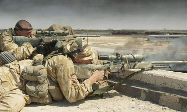 资料图:英军狙击手。