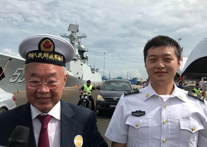 林玉唐激动地表现要戴一下中国水师的军帽