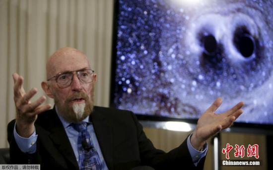 瑞典斯德哥尔摩当地时间10月3日,瑞典皇家科学院将2017年诺贝尔物理学奖授予Rainer Weiss,Barry C. Barish和Kip S. Thorne,以表彰他们在引力波研究方面的贡献。图为Kip S. Thorne(资料图)。