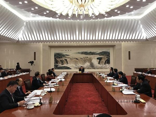 十二届全国人大常委会第一百零二次委员长会议现场。法制网 图