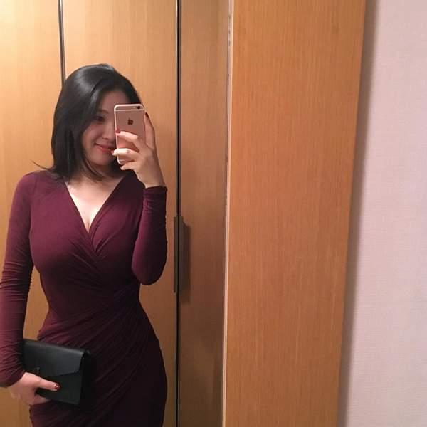 她瑜伽韩国美女视频的八卦美女seulmin_就是趣裙最好开胸身材图片