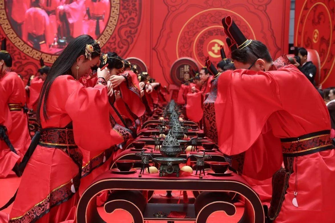 360集体婚礼惹强势围观,这才是最正宗的汉代古制婚礼!