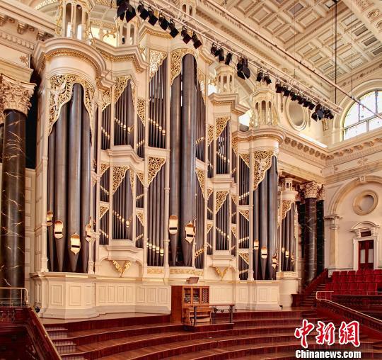 悉尼市政厅19世纪的巨型管风琴。