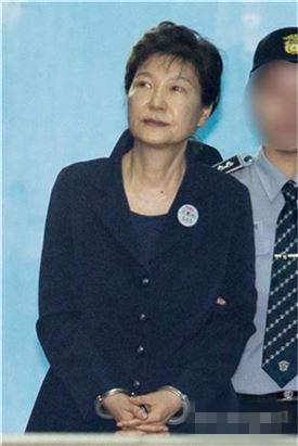 政界猜测朴槿惠正谋划复出