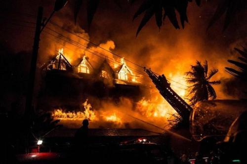 图为火灾现场。(图片来源:法新社)