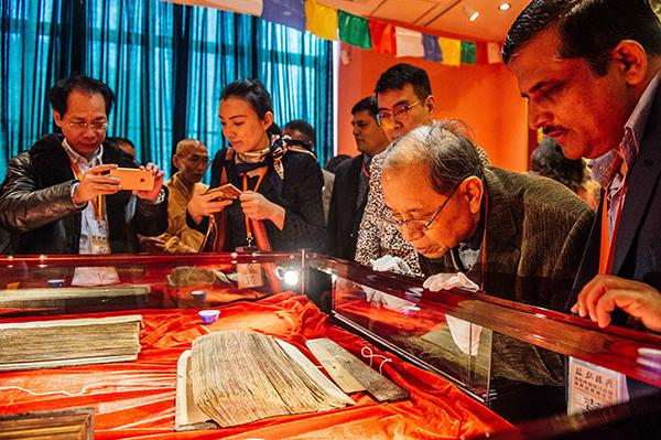 今年3月,一千余册释教经典文献现身上海。