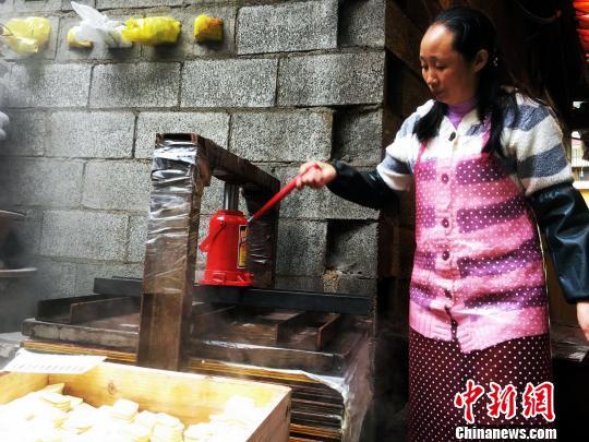 """""""小豆腐""""闯出""""大市场""""贵州豆制品行业模范"""