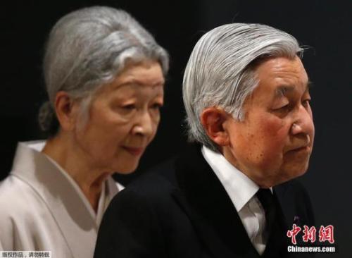 资料图:日本天皇夫妇。