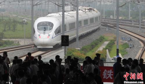 资料图:宁杭高铁开通,串联长三角。中新社发 泱波 摄