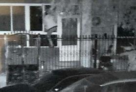 監控錄像拍到的盜賊身影。