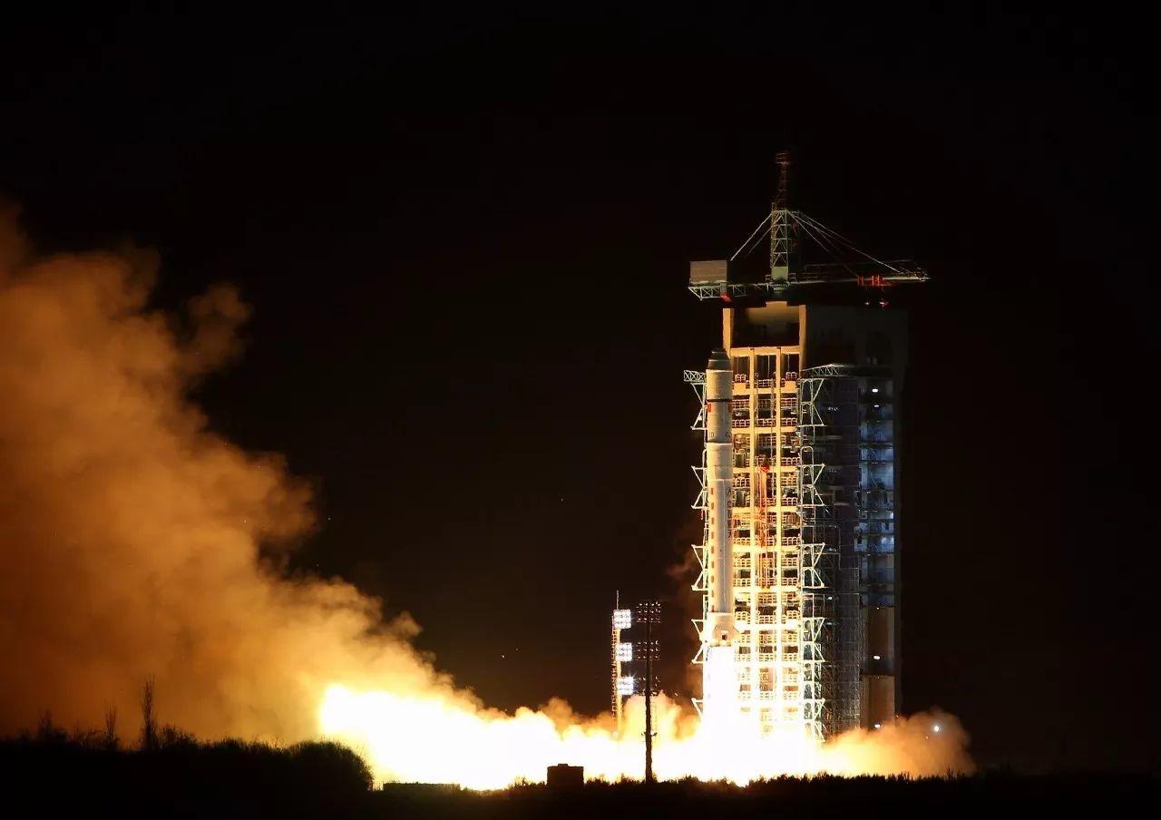 """△2016年,""""碳卫星""""在酒泉卫星发射中心成功发射"""