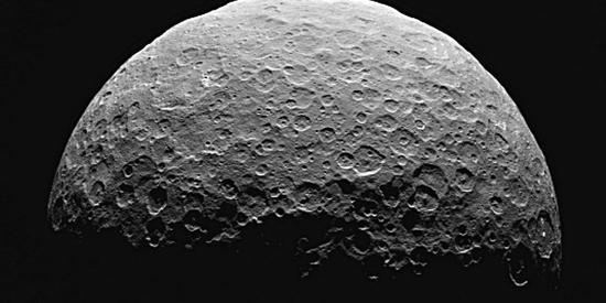 """""""黎明""""号再证谷神星古代海洋遗迹 如今还有液体吗"""