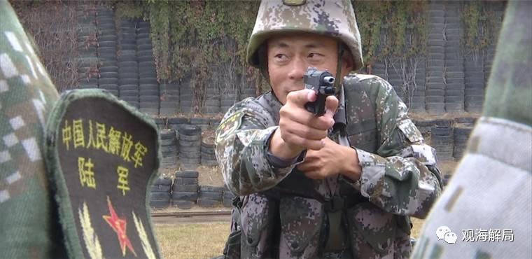 """澳门金沙网站报道:""""枪王之王""""有新职务:出枪仅0.6秒_摄像机跟不上"""