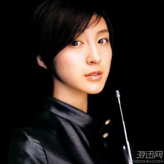 下面是日本10位最美的女神中学时的大头照,素颜的她们居然都如此美丽