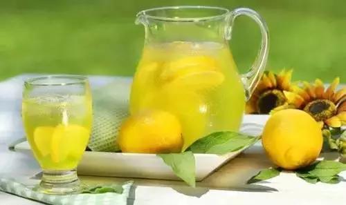 热柠檬水治癌效果比化疗强一万倍?_你不会真信了吧?
