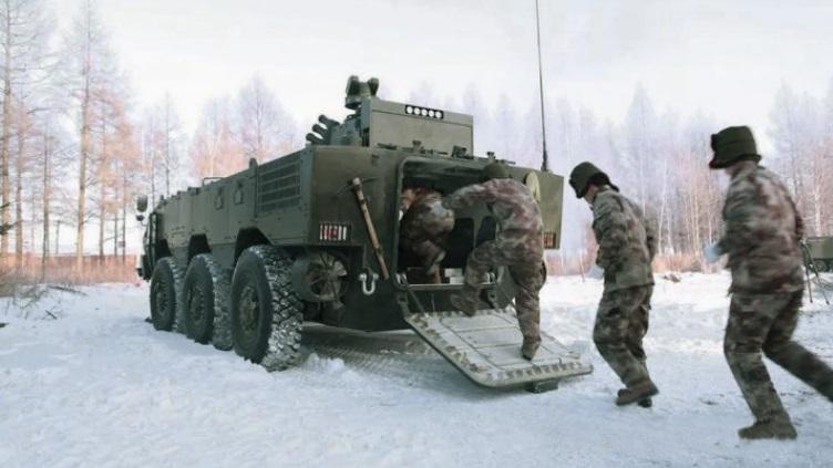 简氏称中国正测试新型两栖装甲车 或采用无人炮塔