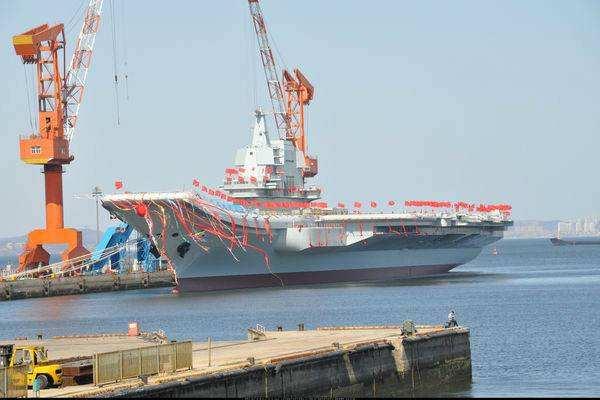 图为中国首艘国产航母下水时的状态
