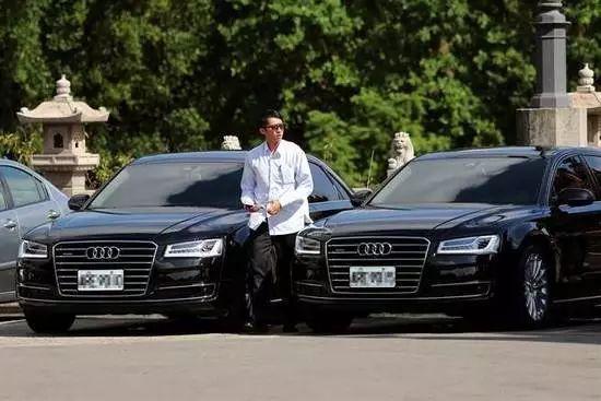 蔡英文上台以来,多次更换座驾,图为蔡英文目前的奥迪Audi A8L座驾。(图片来源:台湾《联合报》)