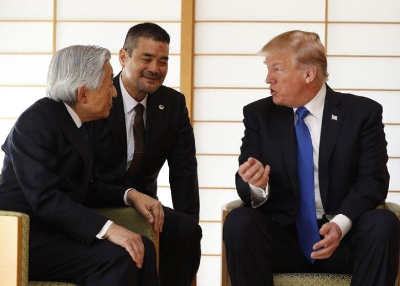 特朗普拜会日本天皇夫妇 未有行鞠躬礼|特朗普