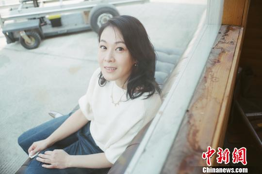 电影《相爱相亲》热映 刘若英:每个妈妈都曾是少女