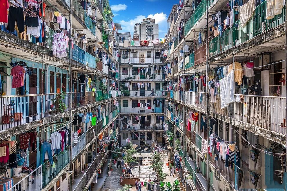 ▲城市化的进程涌入新人口导致住房矛盾