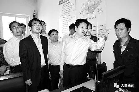 平顶山市委常委、市委政法委书记李永胜在乡镇检查技防设施建设