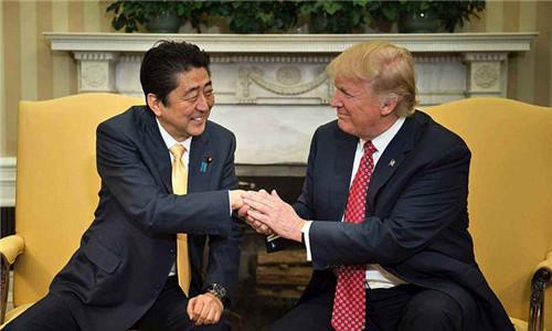 资料图:美国总统特朗普(右)、日本首相安倍晋三(左)