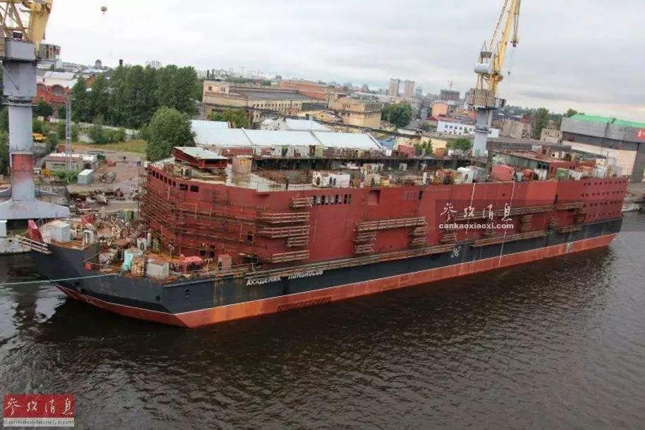 """俄罗斯的""""罗蒙诺索夫院士""""号浮动核电站"""
