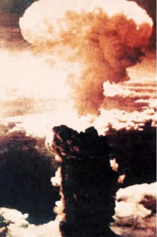 原子弹空爆试验。