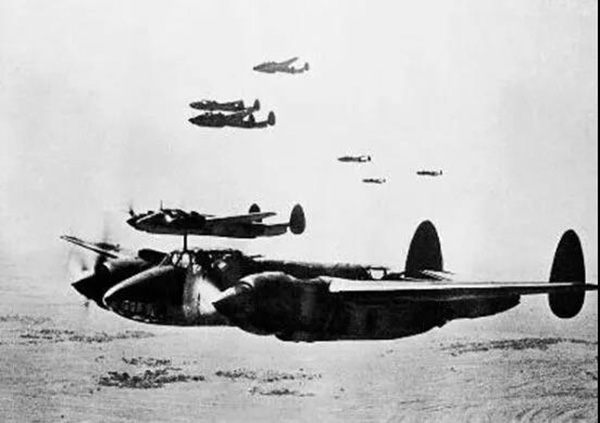 一江山岛登陆作战中的空中支援。