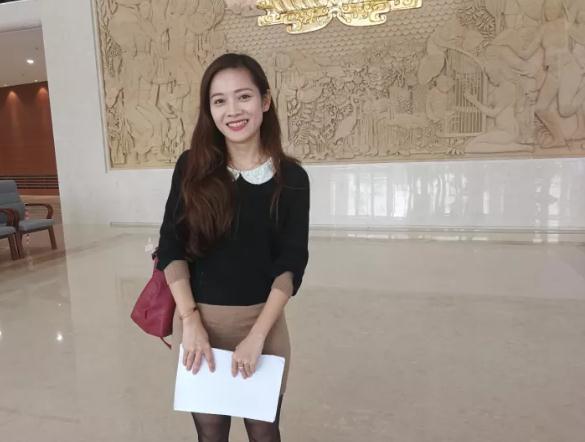 这是黄香离在接受记者采访。新华社记者 孙浩 摄
