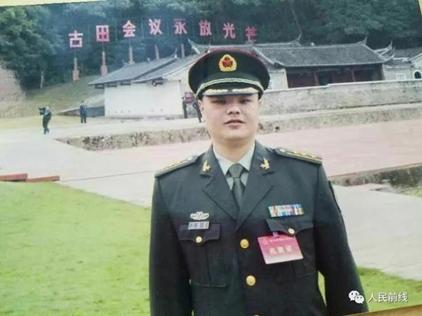 """卞晓军生前照片。 本文图片均来自""""人民前线""""微信公众号"""